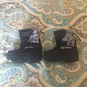 Other - Toddler Snow Boots. Excellent condition.